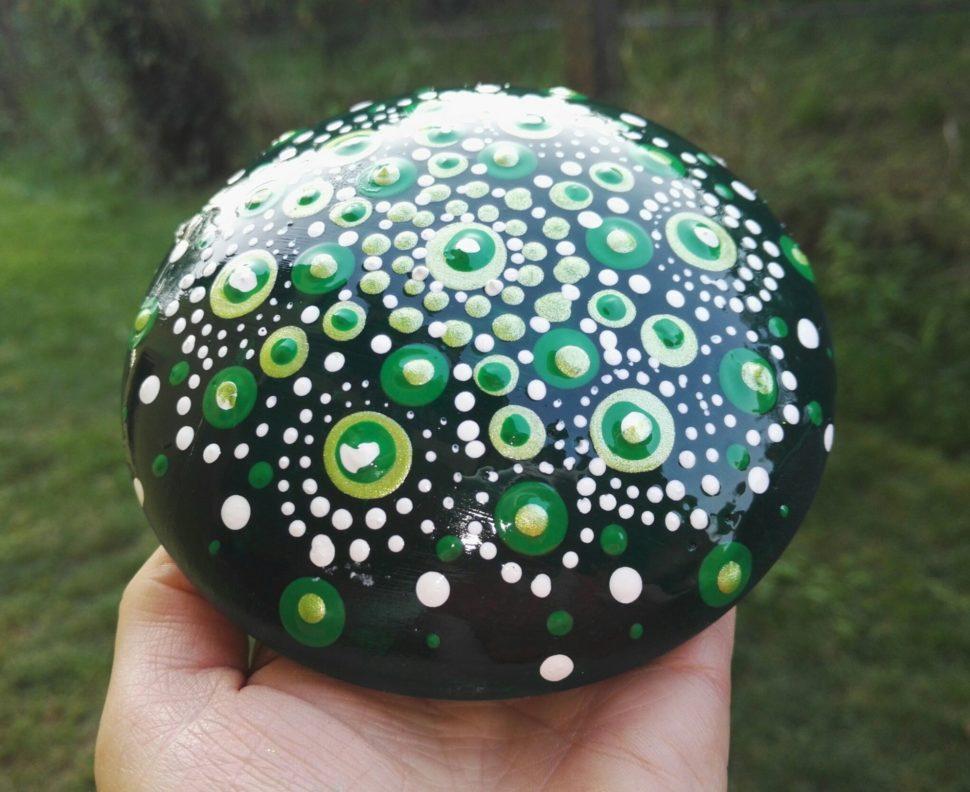 Malovany kamínek